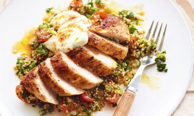 طبق الدجاج على الطريقة اليونانية