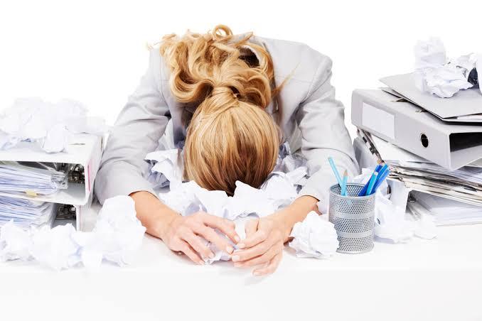 تغلبي على التوتر في العمل