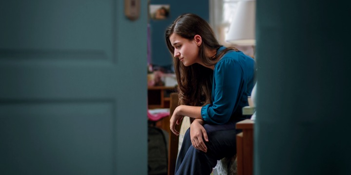 كيف تساعدين ابنك أو ابنتك على تجاوز الاكتئاب في مرحلة المراهقة؟