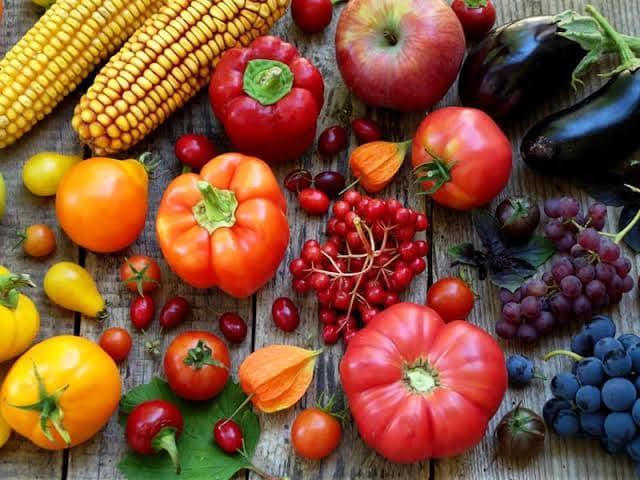 الطعام الطازج و فوائدها لصحة الجسم