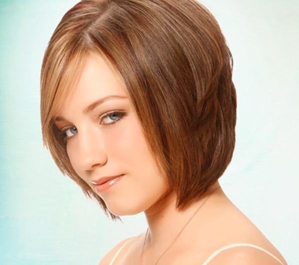 أجمل قصات شعر قصير ومتوسط الطول