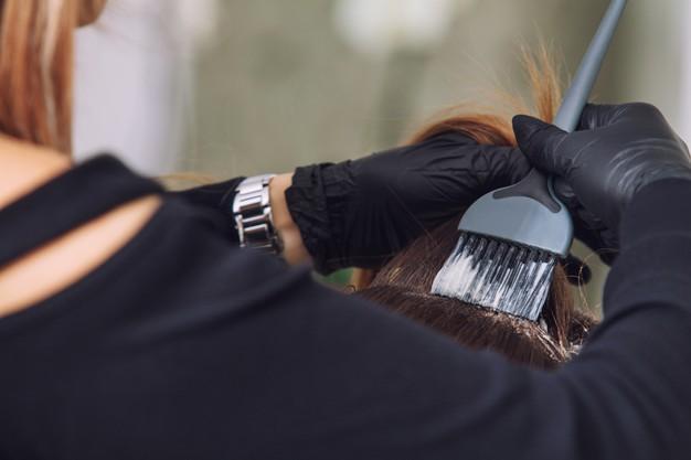 صبغ الشعر بالاسود طبيعيا