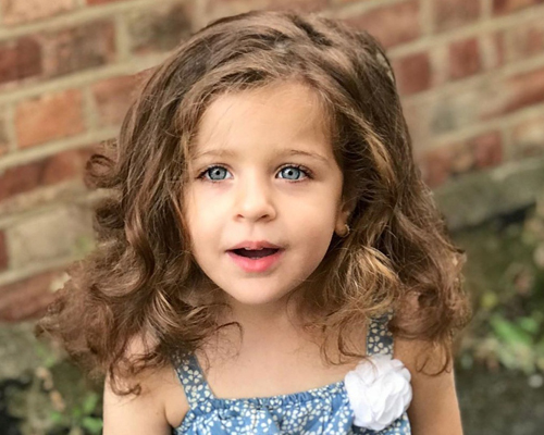 قصات شعر اطفال بنات كيرلي