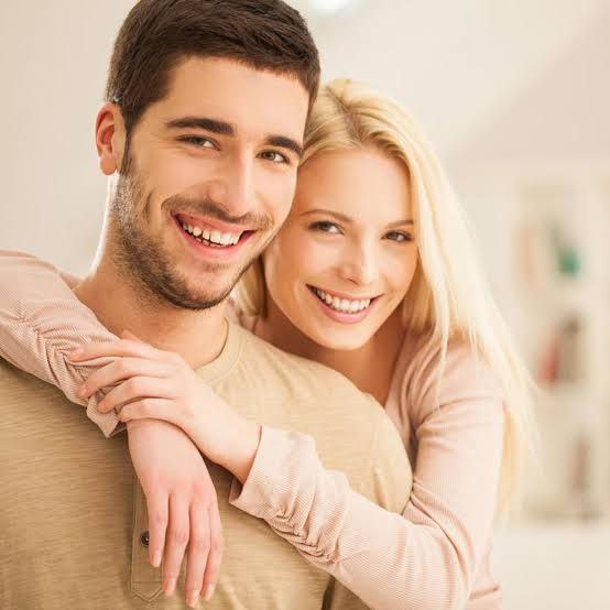 كيف تعرف ان زوجتك تجاملك؟ إليك 5 أدلة تثبت لك ذلك