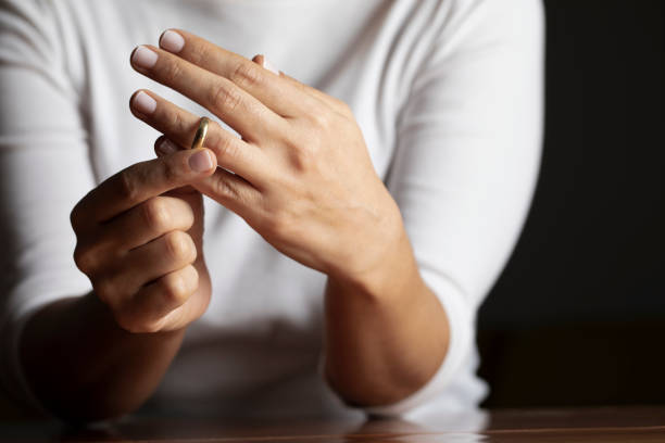 متى تفكر الزوجة بالطلاق؟ إليك 5 أسباب عندها تفكر الزوجة في الطلاق