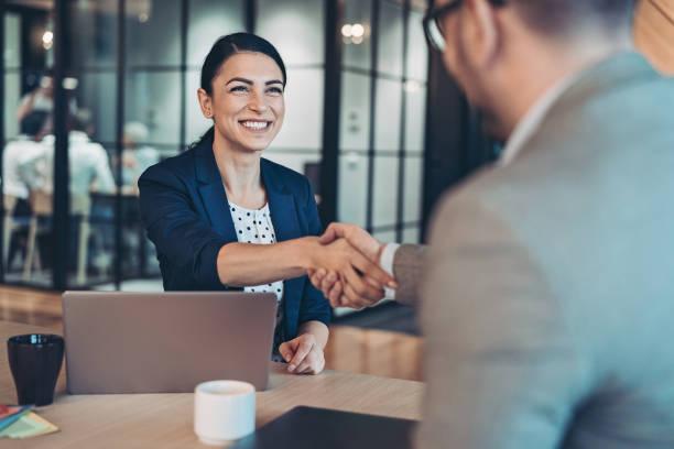 كيف تكون علاقات ناجحة؟ 5 طرق لتحقيق النجاح في جميع علاقاتك!