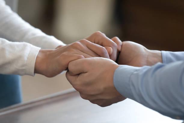 كيف اخلي زوجي يحبني؟ إليك 80 طريقة ستساعدك في ذلك!