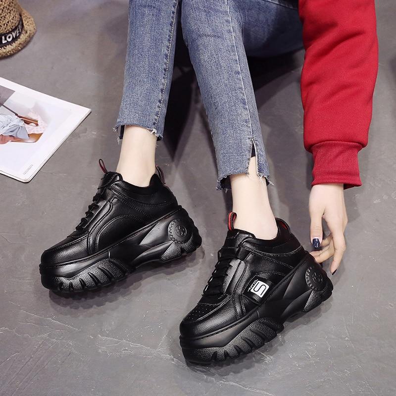 أحذية رياضية للبنات سوداء 2021