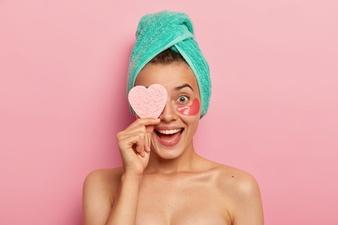 ماسك الحلبة للوجه لعلاج حب الشباب
