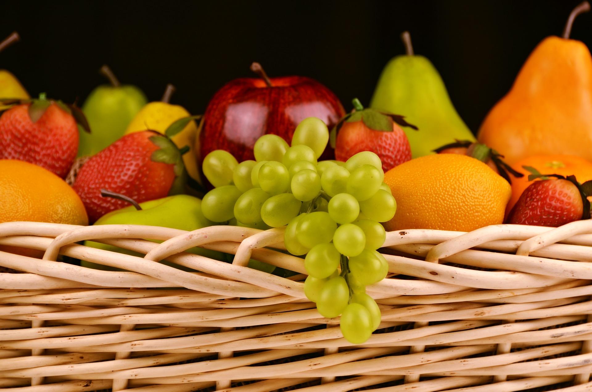 ما هي الفواكه المسموحة في الكيتو؟