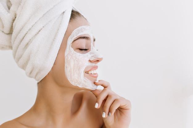 ماسك تنظيف الوجه