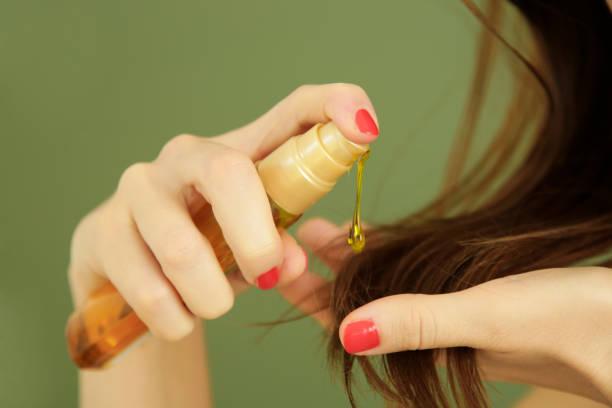 زيت يمنع التساقط ويطول الشعر