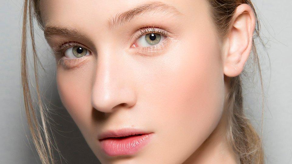 تحليل الشخصية لون العيون