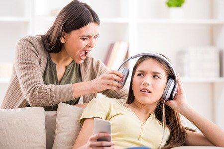 كيفية التعامل مع البنت المتمردة