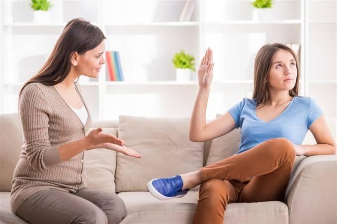 كيفية التعامل مع البنت المراهقة العصبية