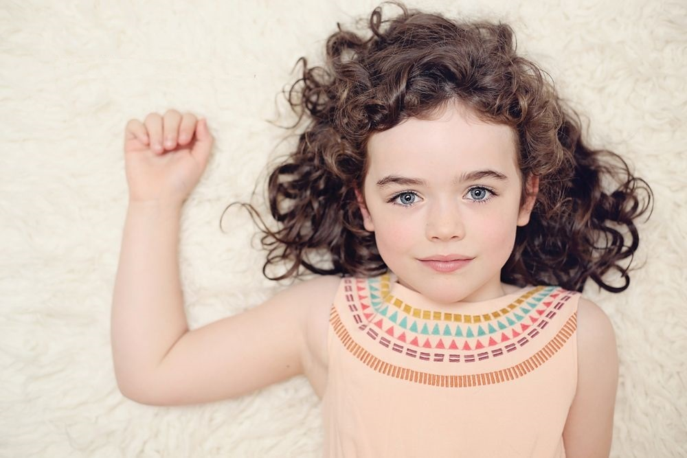تنعيم شعر الاطفال الملفلف