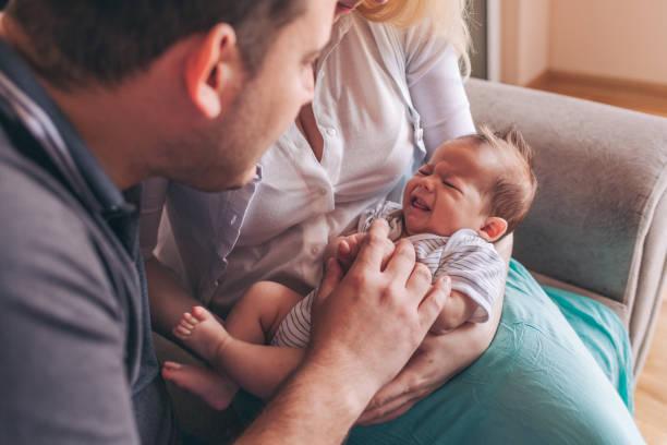 متى ينتهي بكاء الطفل الرضيع؟